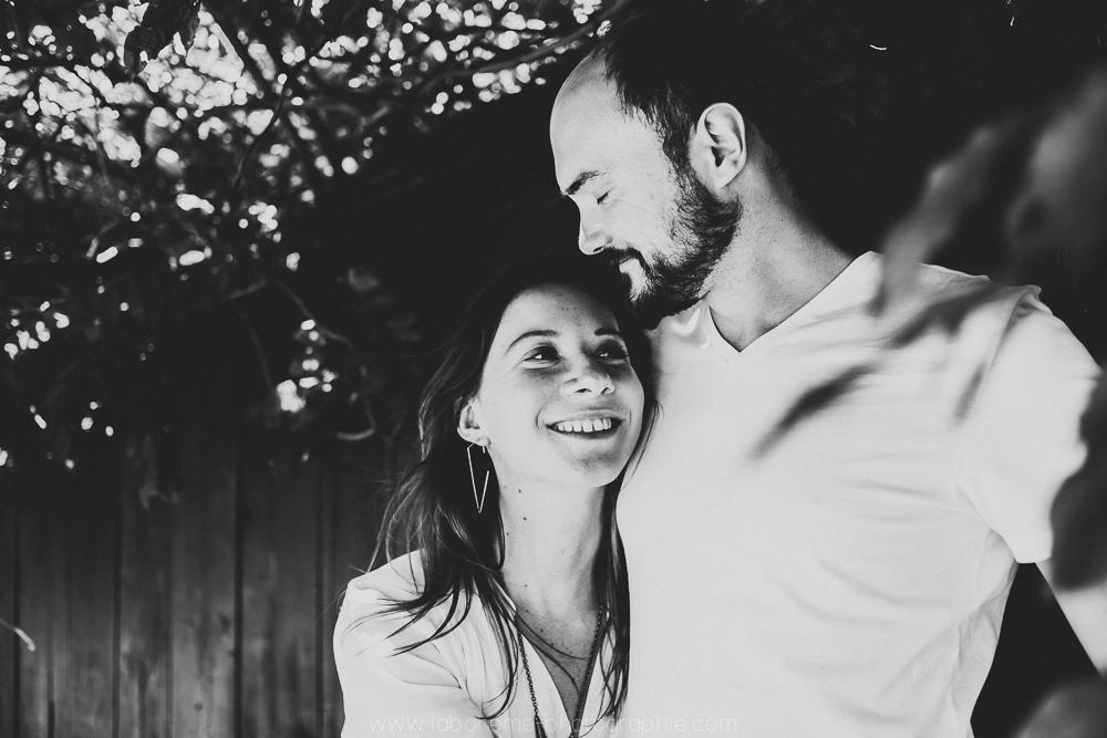 seance engagement couple montmatre laboheme-photographie
