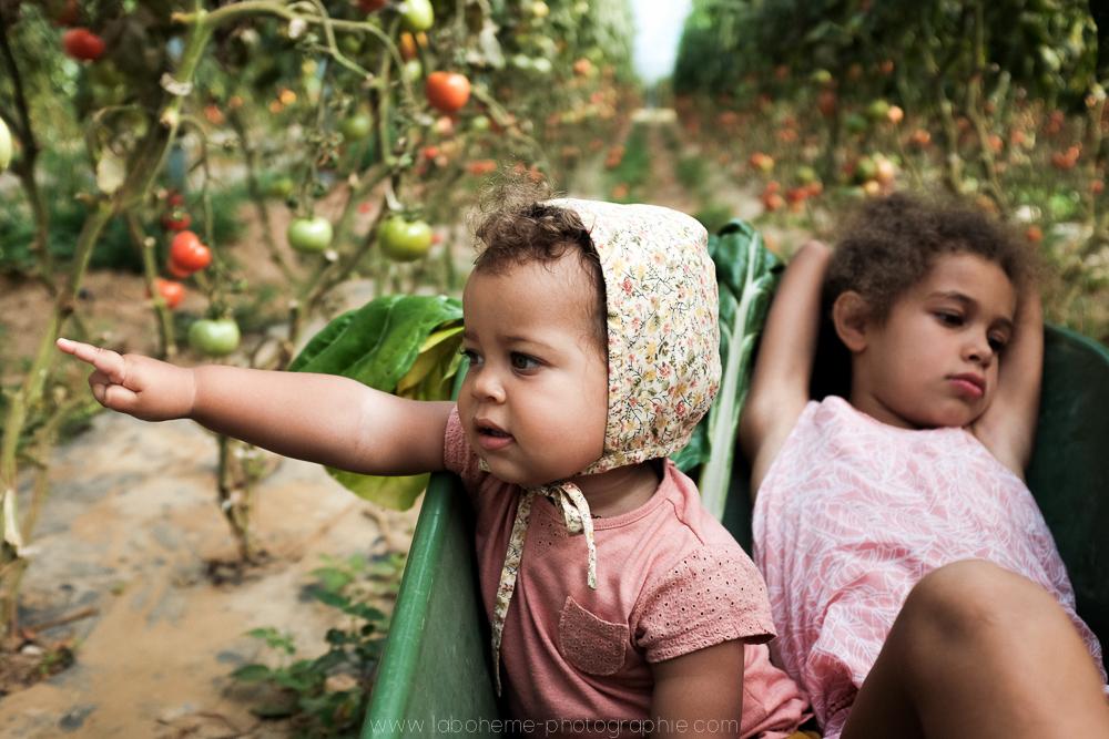 laboheme-photographie seance enfant soeurs champetre-11