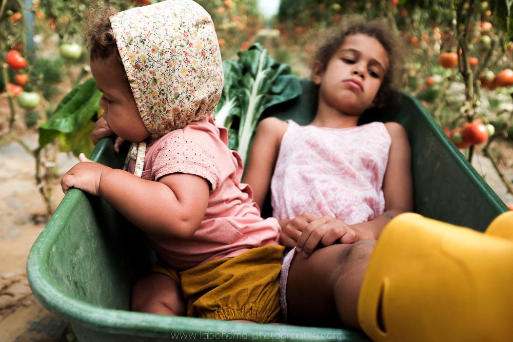 laboheme-photographie seance enfant soeurs champetre-12