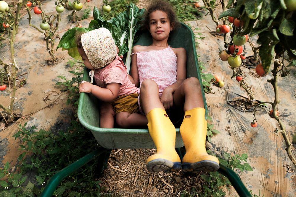 laboheme-photographie seance enfant soeurs champetre-9