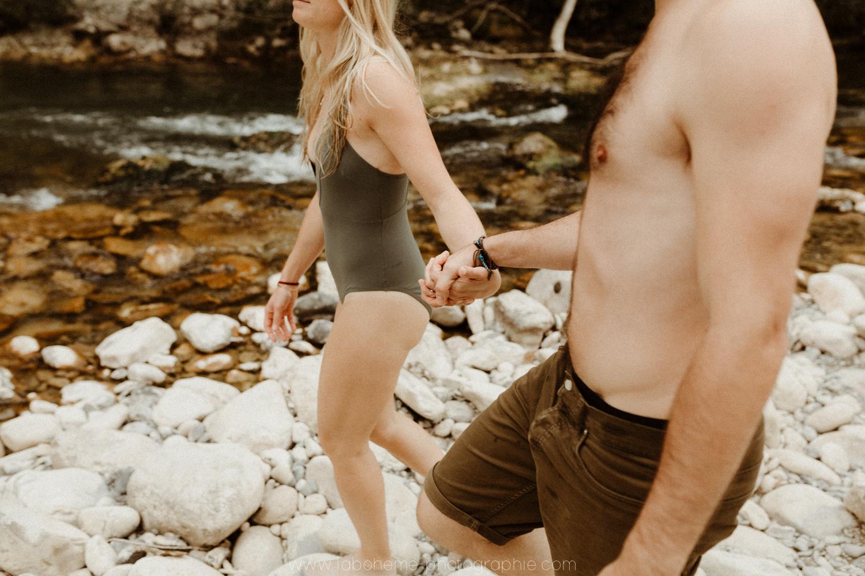 seance couple dans l'eau en auvergne rhone alpes