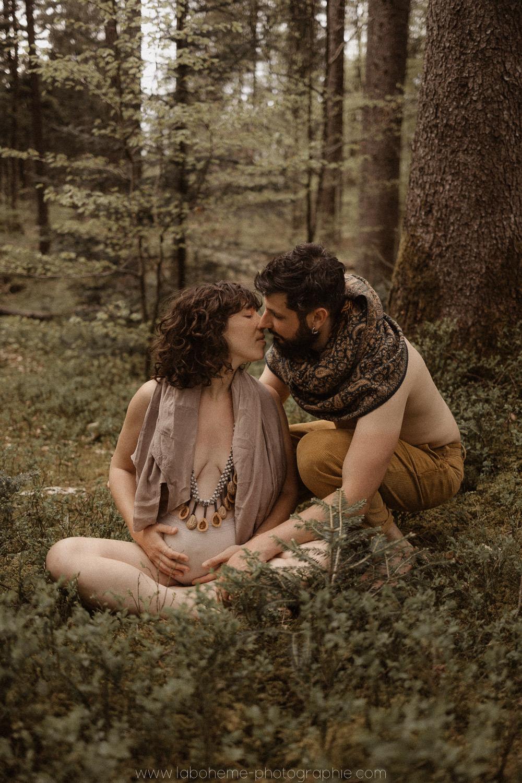 photo grossesse femme sauvage homme des bois